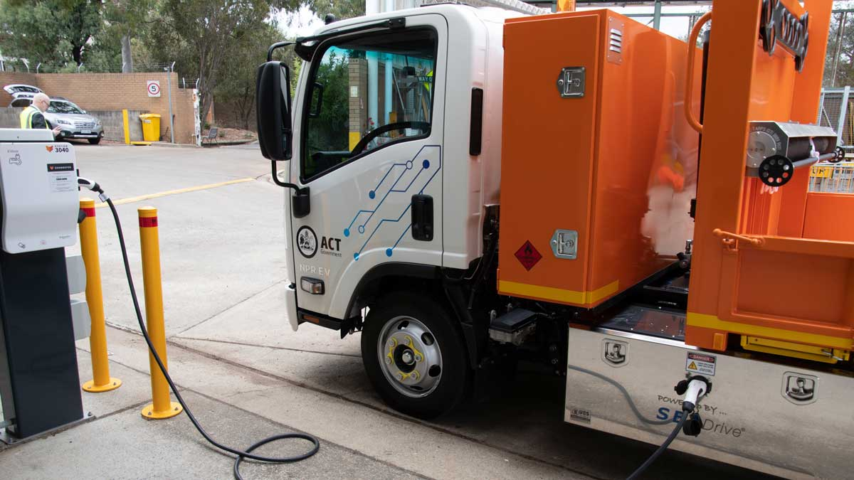 act electric tipper truck
