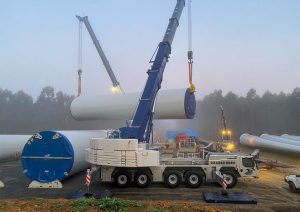 The delivery of components at the Stockyard Hill Wind Farm (Credit: Goldwind).